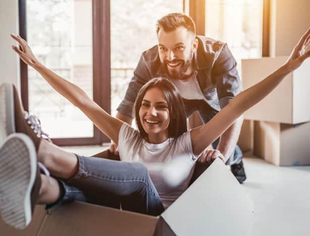 couple déménage assurance emprunteur